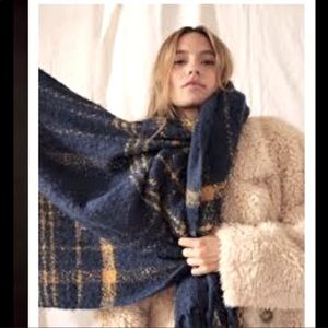 FREE PEOPLE oversized chunky knit plaid Scarf